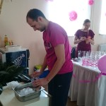 Anet a Michal jako součást týmu v týmových tričkách